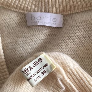 Barrie Sweaters - Barrie cream v neck cashmere